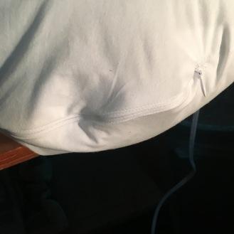 Zipper in the nursing pillow.