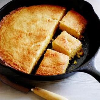 Cornbread in cast iron
